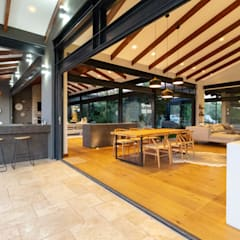 House Milne - Open Plan Living Family Area:  Patios by Hugo Hamity Architects