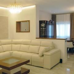 142 - Francisco Silván Arquitectura de Interior - Decoración: Casas unifamilares de estilo  de Arquitectura de Interior