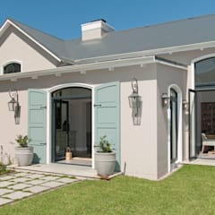 House Facade Classic style houses by Overberg Interiors Classic
