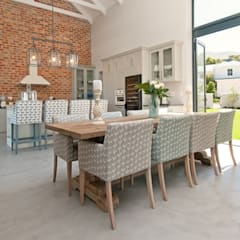 Open Plan Dining Room Classic style dining room by Overberg Interiors Classic