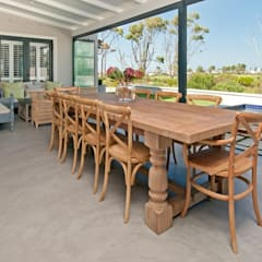 Outdoor Dining:  Patios by Overberg Interiors