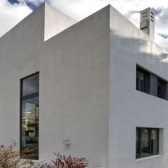 บ้านระเบียง by Otto Medem Arquitectura S.L