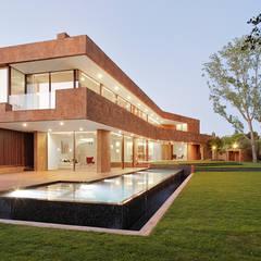 منزل عائلي صغير تنفيذ Otto Medem Arquitecto vanguardista en Madrid
