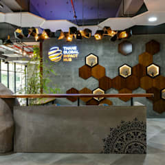 Coworking & Incubation Center - Thane Impact Global Hub:  Corridor & hallway by Dezinebox