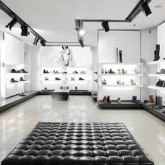 Papel tapiz personalizado para tu negocio: Paredes de estilo  por Kromart Wallcoverings - Papel Tapiz Personalizado