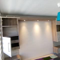 Dormitorio: Dormitorios de estilo  por Muebles y vinilos