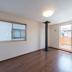 長期優良住宅で安心な薪ストーブのある家 モダンデザインの 書斎 の 八木建設株式会社 モダン