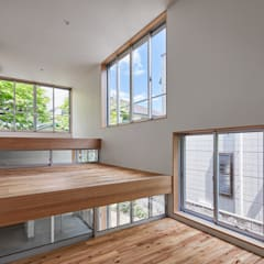 Windows by 建築設計事務所 可児公一植美雪/KANIUE ARCHITECTS, Eclectic Glass