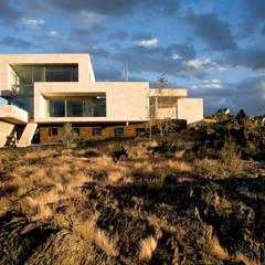 Casas con alma, arquitectura en Madrid: Casas de estilo  de Otto Medem Arquitecto vanguardista en Madrid