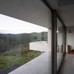 Casas con alma, arquitectura en Madrid: Terrazas de estilo  de Otto Medem Arquitecto vanguardista en Madrid