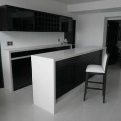 Wijnkelder door Diseño en Madera y Construcciones MAG