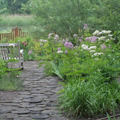 Garden by ООО GeoGraffiti, Classic
