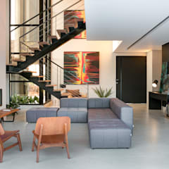 Stairs by Perotto E Fontoura Estúdio de Arquitetura, Minimalist