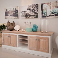 Beach House Glam Guest House - Onrus:  Corridor & hallway by Overberg Interiors, Eclectic