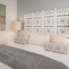 Beach House Glam Guest House - Onrus:  Bedroom by Overberg Interiors, Eclectic