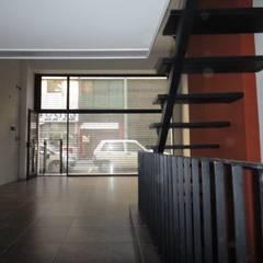 LOCAL MONSERRAT: Estudios y oficinas de estilo  por GR Arquitectura