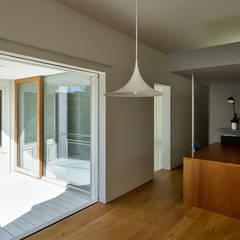 su house オリジナルデザインの テラス の Takeru Shoji Architects.Co.,Ltd オリジナル
