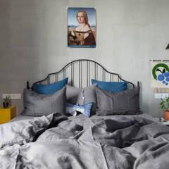 Таун-хаус в Новой Москве: Маленькие спальни в . Автор – DVEKATI ,