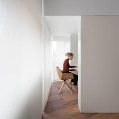Escritórios  por Balzar Arquitectos