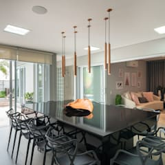 Cada M&D: Cozinhas  por Quadra 17 Arquitetura e Interiores