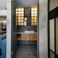 臨沂街-輕工業風:  浴室 by 星葉室內裝修有限公司