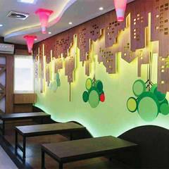 Office at Pluit: Kantor & toko oleh PT VISIO GEMILANG ABADI, Modern Kayu Lapis