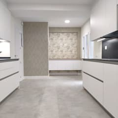 Built-in kitchens by Reformadisimo, Tropical