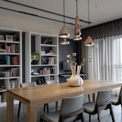 由鉅三希 5F:  餐廳 by 台中室內設計-築采設計