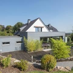 Single family home by Wiese und Heckmann GmbH,