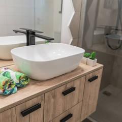 ห้องน้ำ โดย Rima Design,