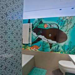 Remodelación Duplex: Baños de estilo  por INFINISKI