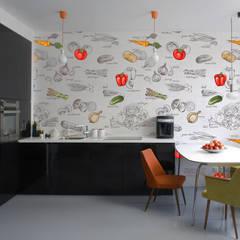 Cocinas pequeñas de estilo  por Kromart Wallcoverings - Papel Tapiz Personalizado