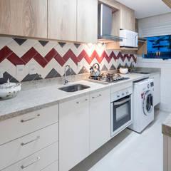 Cocinas pequeñas de estilo  por Paula De Zorzi | Design + Interiores