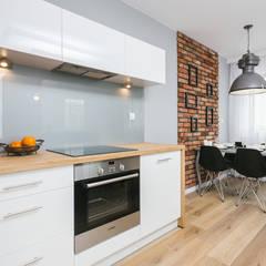 Fabryka Czekolady V: styl , w kategorii Kuchnia na wymiar zaprojektowany przez Justyna Lewicka Design