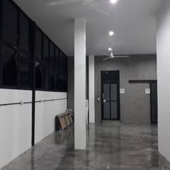 renovate offic :  อาคารสำนักงาน โดย somsou87, โมเดิร์น