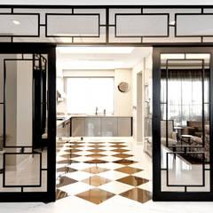 Modern Colonial Kitchen by Design Intervention:  Kitchen by Design Intervention
