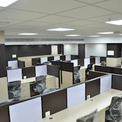 Finance Bank projects - Chennai:  Study/office by Sri Paamban Interiors