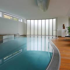 Çilek Spa Design  – Ekber Ekşi Özel Villa Havuzu:  tarz Bahçe havuzu