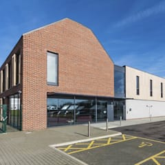 Beaumont School and Sports Hall:  Schools by Designcubed