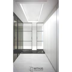 design heros interior 송도고급인테리어 송도인테리어 위드지스송도: WITHJIS(위드지스)의  복도 & 현관