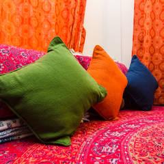 Home Interior Design of Ipsha Chakraborty in Kolkata:  Small bedroom by Cee Bee Design Studio