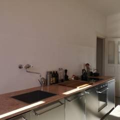 Apartment Projekt in Berlin :  Küche von MA Möbel und Architektur