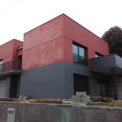 Direcció d'obra a Montmajor: Casas unifamilares de estilo  de Arquitectura i bioconstruccio