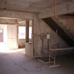 Escaleras de estilo  de Fabiana Ordoqui  Arquitectura y Diseño.   Rosario | Funes |Roldán, Minimalista Hormigón