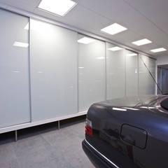 Double Garage by Estatiba construcción, decoración y reformas en  Ibiza y Valencia