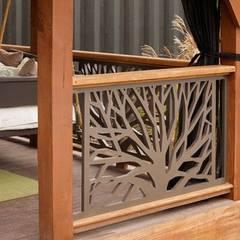 أفكار وديكورات الخشب CNC مع كاسل للديكورات والتشطيبات المعمارية بالقاهرة:  بلكونة أو شرفة تنفيذ كاسل للإستشارات الهندسية وأعمال الديكور في القاهرة, حداثي MDF