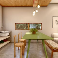 Dining room by Franthesco Spautz Arquitetura