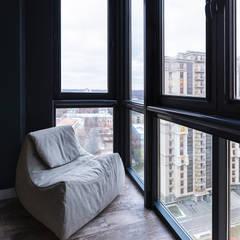 Balcony by Interior designers Pavel and Svetlana Alekseeva