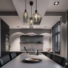 Rozenburglaan:  Eetkamer door Mariska Jagt Interior Design