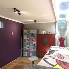 The interior A4AC Architects Living room Metal Purple/Violet